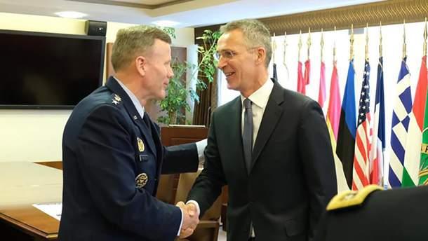 Генерал Уолтерс сменил генерала сухопутных сил США Кертиса Скапарротти