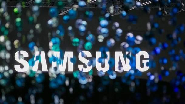 """Samsung разрабатывает """"обтекающий"""" дисплей"""