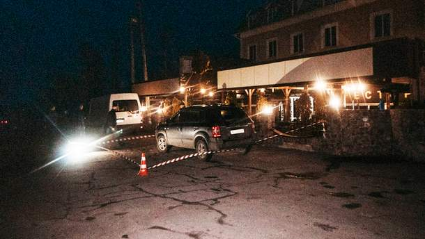 Фото з місця вбивства поліцейського у Баришівці під Києвом