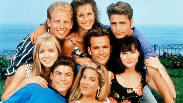 """Як змінилися актори """"Беверлі Хіллз, 90210"""" за 30 років"""