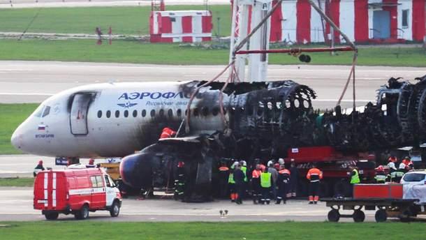 """У мережі опублікована розмова пілотів літака Sukhoi Superjet 100 та авіадиспетчерів """"Шереметьєво"""""""