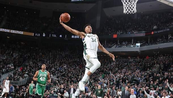 """""""Мілуокі"""" розгромили """"Бостон"""" та вийшли у півфінал плей-офф НБА: відео"""