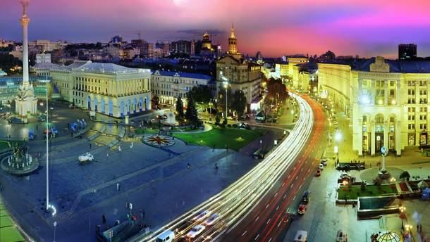 З вулицб Києва прибирають незаконну рекламу