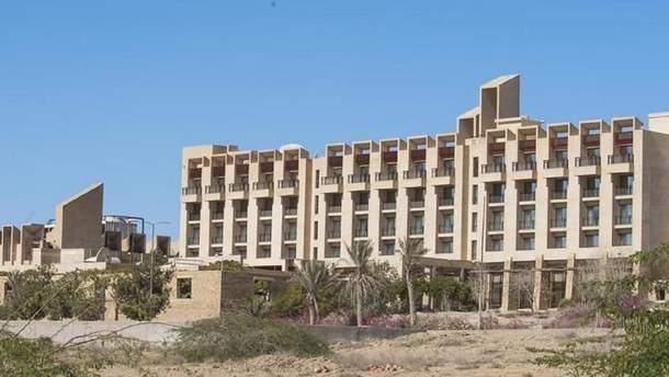 Отель, который атаковали боевики в Пакистане