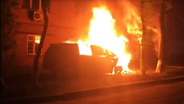 Авто головного редактора TVI Володимира Єгорова спалили у Києві