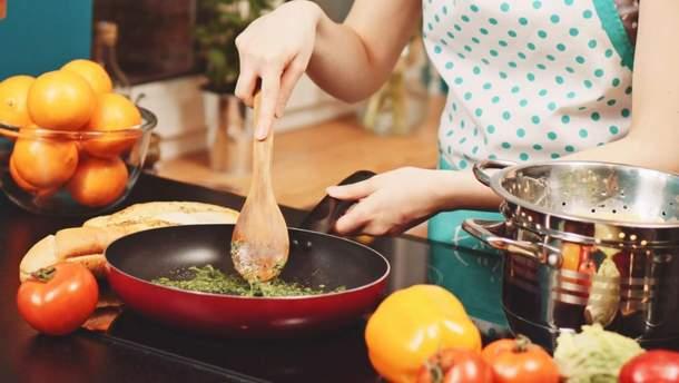 Антипригарні сковорідки: як вибрати