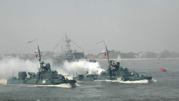 Россия начала задерживать суда в Керченском проливе в полтора раза дольше