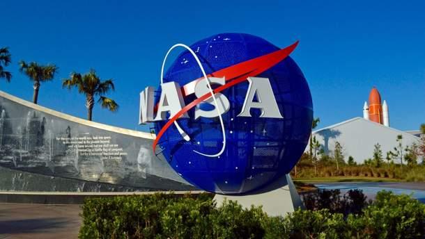 NASA планує відправити жінку на Місяць