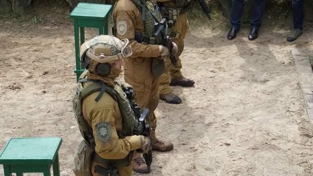 Нацполіція презентувала нові пістолети-кулемети