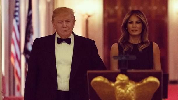 У сукні за 6 тисяч доларів: Меланія Трамп приголомшила образом на урочистій вечері
