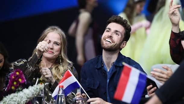 Дункан Лоуренс - Arcade: перевод и текст песни победителя Евровидения 2019