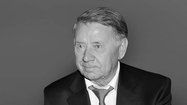 Помер Валентин Сапронов