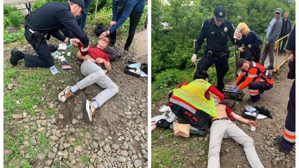 В Киеве электричка сбила подростка, парня спасли полицейские