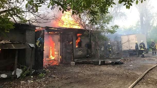 В Одессе произошел пожар на территории бывшей военной части