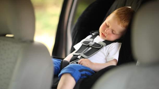 Педіатри забили на сполох через дитячі автокрісла