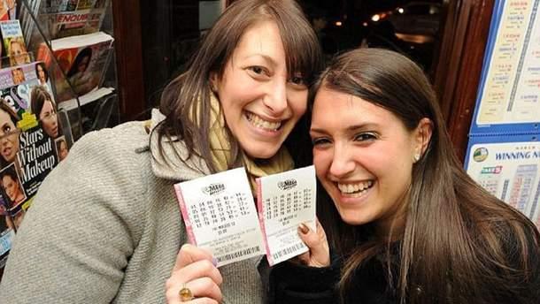 Украинцы массово принимают участие в американских лотереях: на кону свыше полумиллиарда долларов