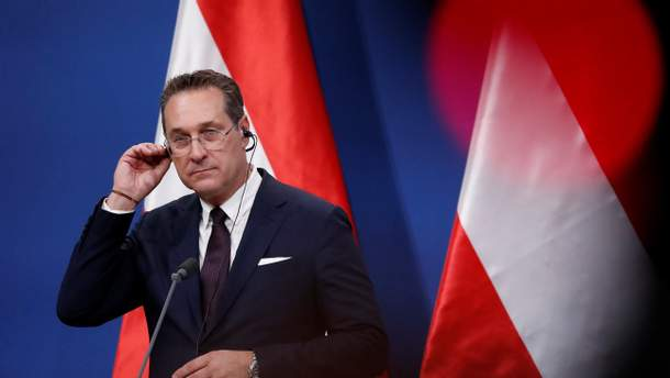 """Скандал в Австрии из-за """"переговоров с россиянкой"""""""
