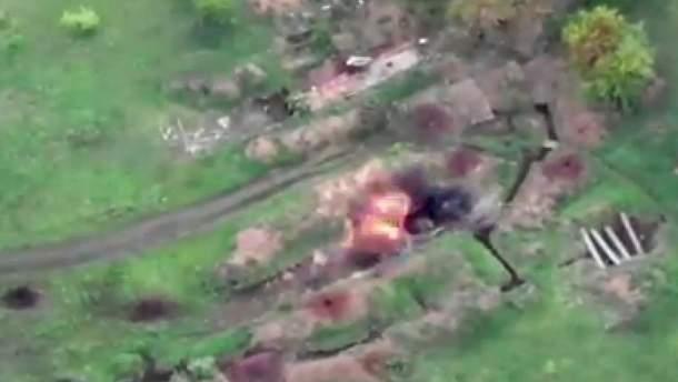 Українські військові знищили ворожу БМП