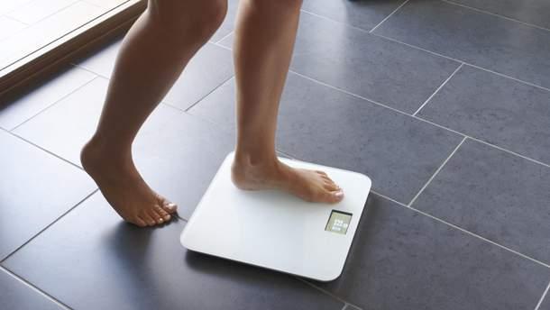 Резкие скачки веса могут указывать на неизлечимую болезнь