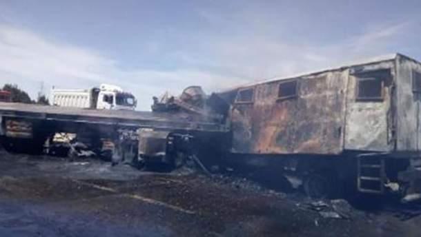 В Египте полицейский фургон столкнулся с грузовиком