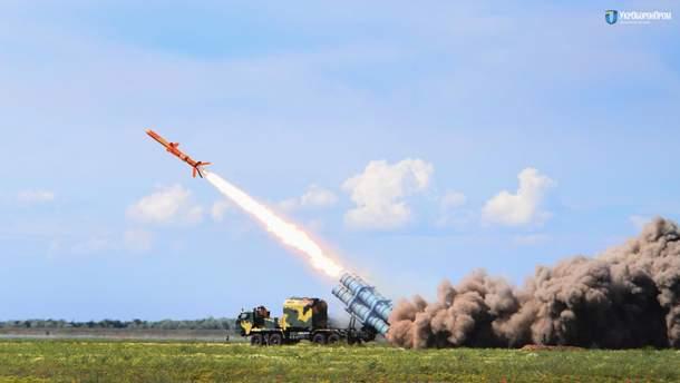 """У мережі показали ефектне відео вогневих випробувань українського """"Нептуна"""""""