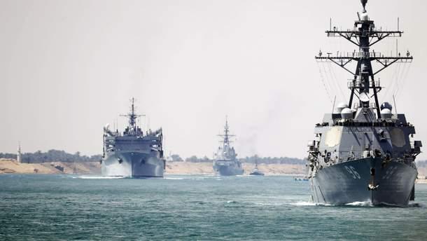 США перекинули ударну бойову групу в район Перської затоки