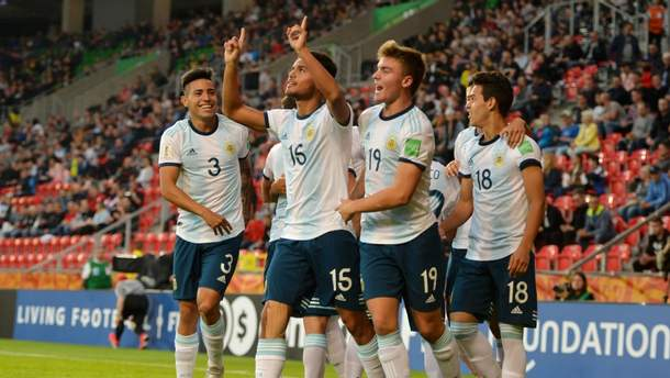 Франция и Аргентина вышли в плей-офф на ЧМ-2019