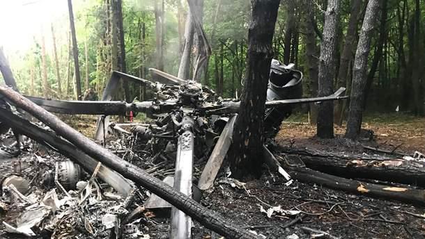 Катастрофа вертольота Мі-8 на Рівненщині, Україна - фото з місця аварії