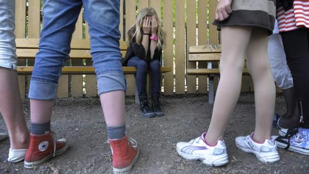 В Каменском толпа школьниц жестоко избила сверстниц (иллюстративное фото)