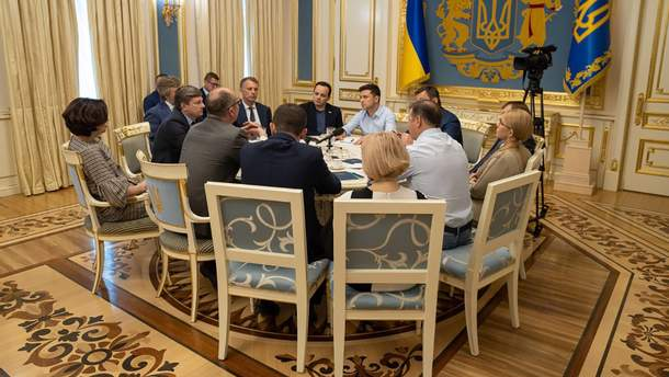 Сайт президента оприлюднив стенограму зустрічі з лідерами фракцій