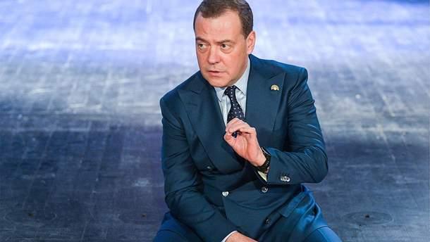 Медведев назвал недальновидным вывод Медведчука из переговоров