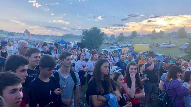 Kozak Fest 2019 - видео урагана 1 июня 2019, который сорвал крышу сцены