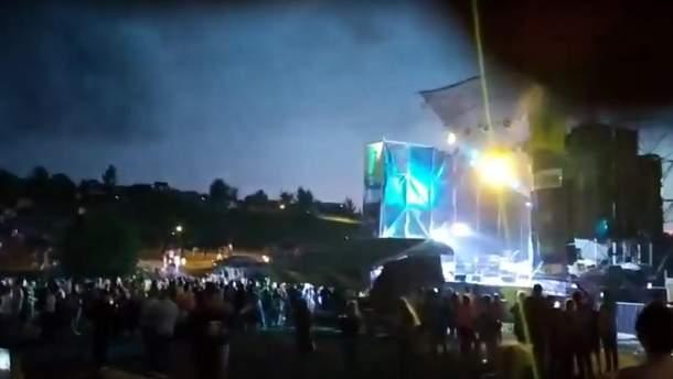 Руйнування даху сцени на Kozak Fest