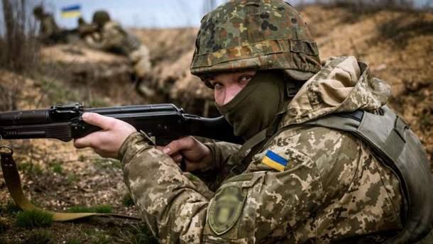 Українські бійці поранили окупанта на Донбасі