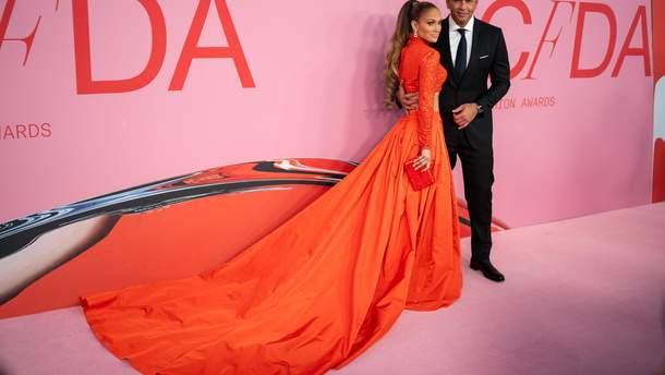 Алекс Родригес и Дженнифер Лопес на CFDA Fashion Awards 2019