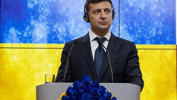 Зеленський обговорив з Могеріні і Туском санкції щодо тих, хто видає паспорти Росії на Донбасі