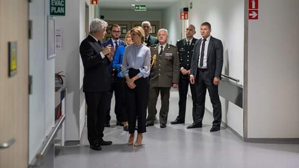 Дружина Зеленського відвідала українських військових у Брюсселі