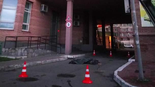 Записала прощальне відео та вистрибнула із 14 поверху в Києві