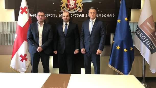 Українська делегація домовилась про повернення 10 дітей арештованої українки  з Грузії