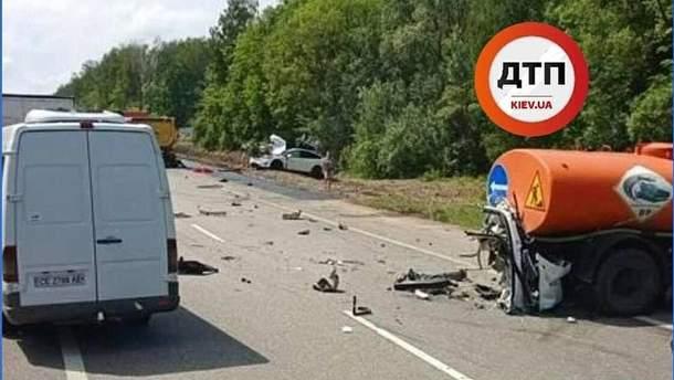 Авария с Tesla в Киевской области