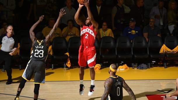 """""""Торонто"""" выиграл у """"Голден Стейт"""" на выезде и оказался в шаге от чемпионства в НБА: видео"""