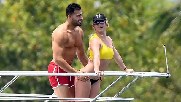 Бритни Спирс и Сэм Асгари в Майами
