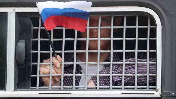 В Москве силовики случайно задержали американца, но сразу отпустили