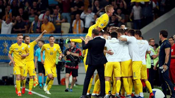 УЕФА открыл дело из-за поведения болельщиков на матче Украина – Сербия во Львове