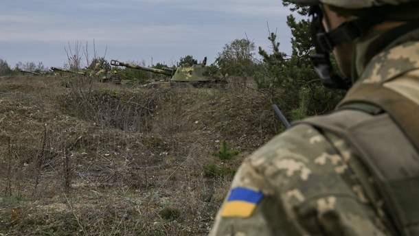 На Донбассе один украинский военный получил ранения, другой – боевую травму