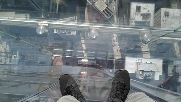 В Чикаго треснул стеклянный балкон на 103 этаже
