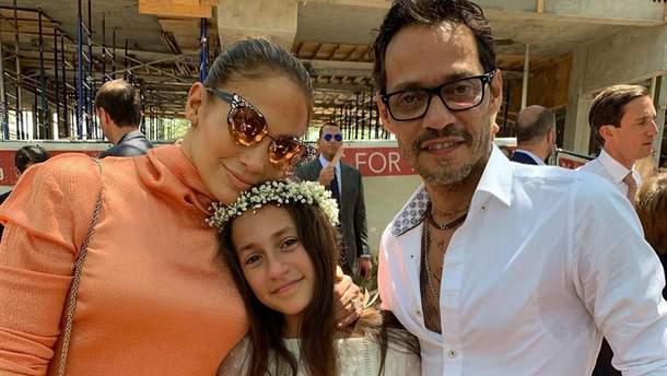 Дженніфер Лопес з донькою та колишнім чоловіком
