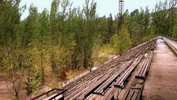 Как выглядит футбольный стадион в Припяти, который так и не открыли из-за аварии на ЧАЭС: видео