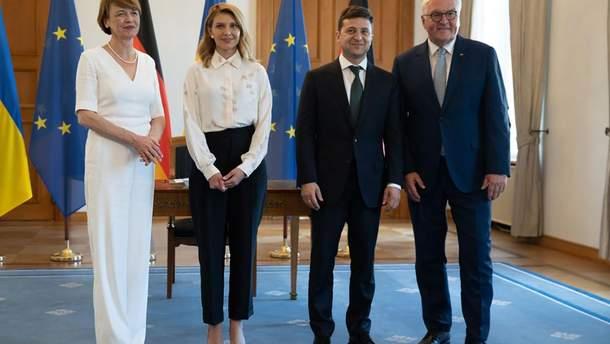 Зеленский и Штайнмайер с женами встретились в Берлине