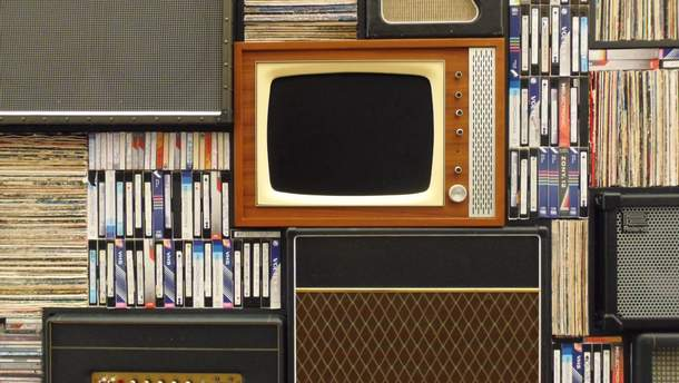 Apple TV запустили на ретро-телевизоре